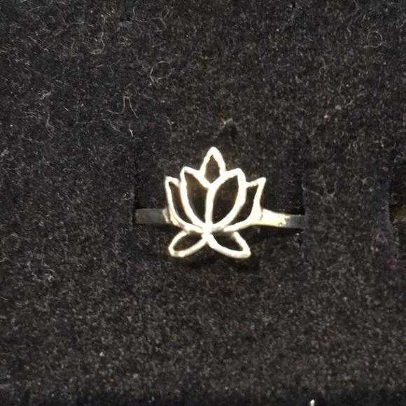 Jewelry - LOTUS RING